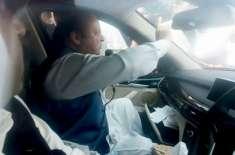 فیصل آباد میں سابق وزیراعظم نواز شریف کا قافلہ حادثے کا شکار ہوگیا