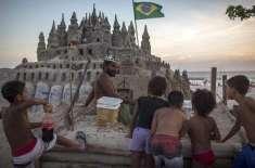 برازیل کے ساحل پر 22 سال سے ریت کے قلعے میں رہنے والا حیرت انگیزشخص