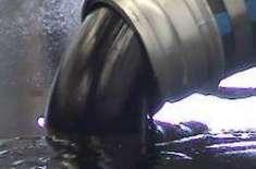 امریکا میں خام تیل کے نرخوں میں معمولی کمی بیشی