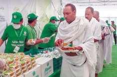 جدہ: وزارتِ حج کی جانب سے لاکھوں حاجیوں کو صحت بخش غذا کی فراہمی