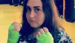 سعودی عرب کی دنی محمد الغامدی عالمی مقابلہ جیتنے والی پہلی خاتون باکسر ..