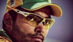 سری لنکا کیخلاف سیریز،عمر اکمل او ر احمد شہزاد کو ٹی ٹونٹی سکواڈ میں ..