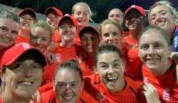 ویمن ورلڈ ٹی ٹونٹی سیمی فائنل میں انگلینڈ نے بھارت کو شکست دیکر فائنل ..
