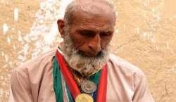 """""""نئے پاکستان""""میں بھی صدارتی ایوارڈ یافتہ قومی ہیرو کسمپرسی کی حالت .."""