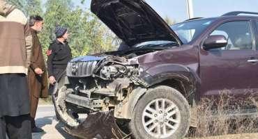 تحریک انصاف کے رکن قومی اسمبلی قومی شاہراہ پر ٹریفک حادثے کا شکار ہوگئے