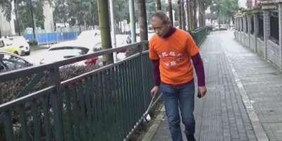 چینی ارب پتی اپنے فارغ وقت میں شہر کی گلیوں سے کوڑاچنتا ہے