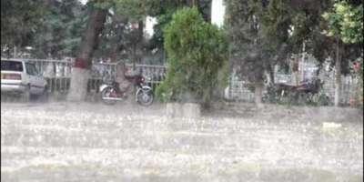 بالاکوٹ اور وادی کاغان کے مختلف علاقوں میں بارش اور ژالہ باری سے موسم ..