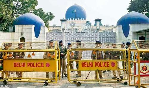 بھارت میں پاکستانی سفارتکاروں ..