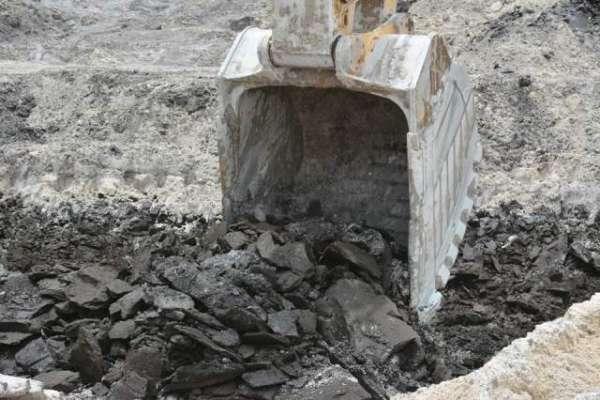 26 ماہ کی مسلسل کھدائی کے بعد تھر سے کوئلہ نکل آیا