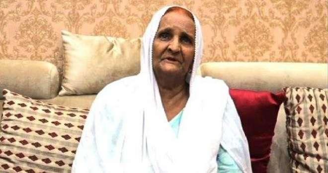 پیپلزپارٹی کےجلسےمیں امجد صابری کی والدہ اوربھائی بھی پہنچ گئے