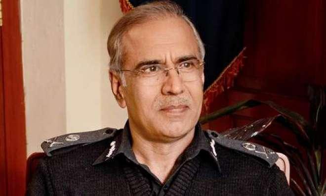 سابق آئی جی پنجاب مشتاق سکھیرا نے لاہور پولیس کو اضافی سیکیورٹی واپس ..