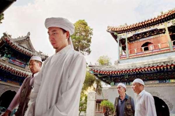 چین میں لاکھوں مسلمانوں کے لیے سیاسی تربیتی کیمپوں کا قیام