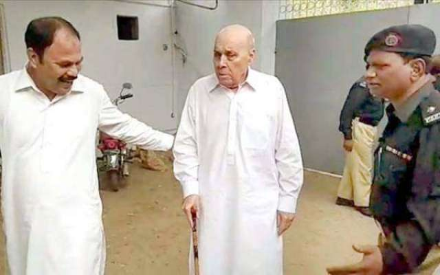 کراچی کی بینکنگ کورٹ نے انور مجید کے قابل ضمانت وارنٹ گرفتاری جاری ..