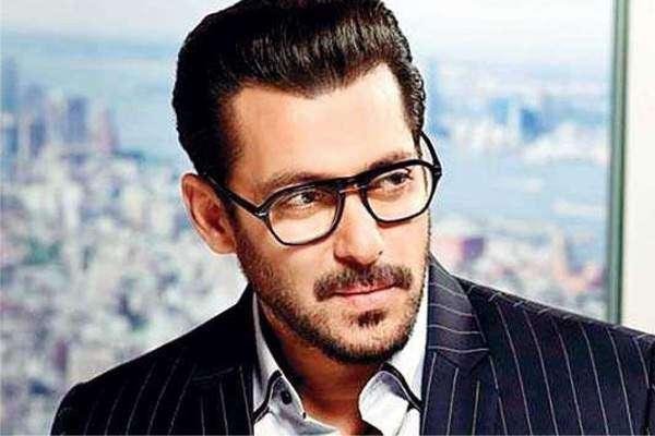 سلمان خان کی نئی فلم ریس 3 ریلیز سے پہلے ہی 100 کروڑ بھارتی روپے کمانے ..