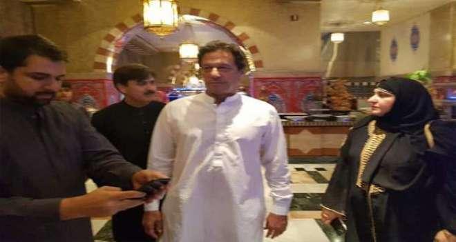 عمران خان اور ہلیہ نے عمرہ کی سعادت حاصل کرلی