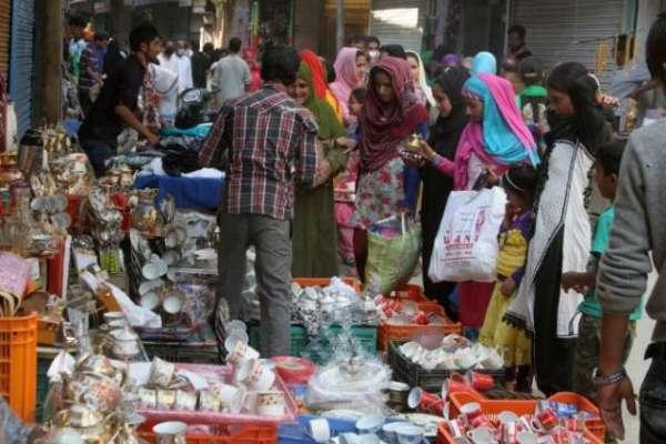 رواں سال عیدالفطر کے موقع پر ملک کے معاشی مرکز کراچی میں عید کے موقع ..