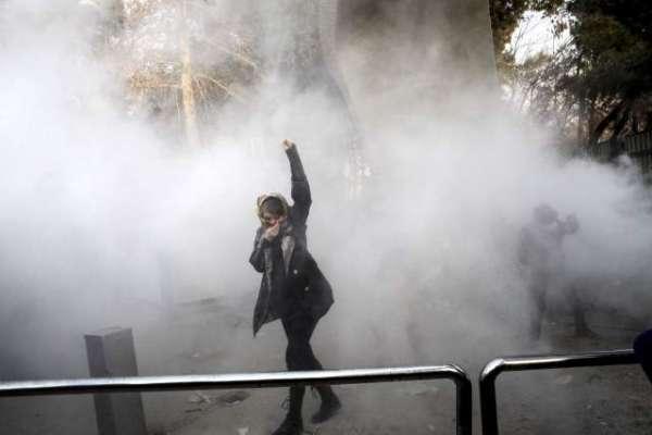 ایران میں فسادات پھوٹ پڑے