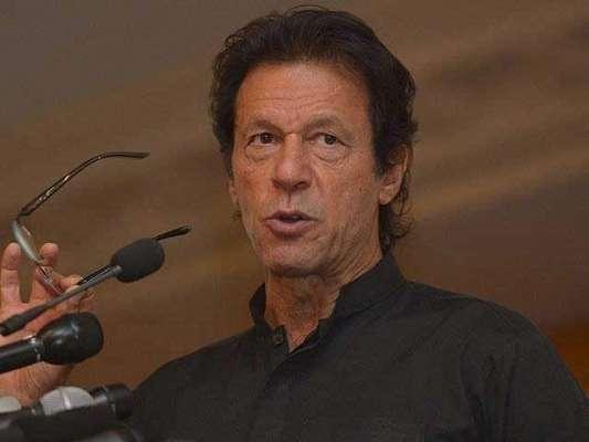 عمران خان کو اس بات کی داد دینی چاہئیے کہ وہ سیاست کا کھیل سمجھ گئے ہیں