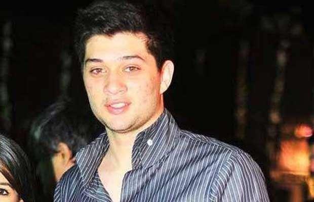 دھرمیندرا کے پوتے کرن دیول کی پہلی فلم پل پل دل کے پاس پر حوصلہ افزائی ..