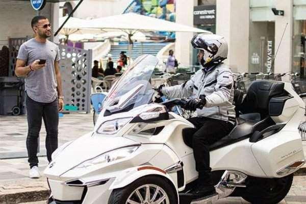 تین پہیوں والی موٹرسائیکل ٹیکسی سروس میں شامل