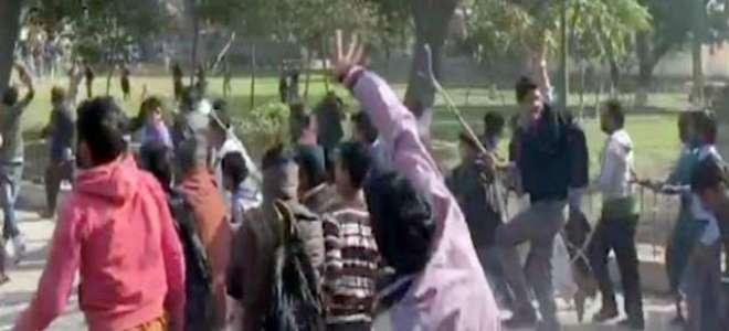قصور میں بچی کو زیادتی کے بعد قتل کرنے کے واقعہ کے خلاف مختلف سیاسی ..