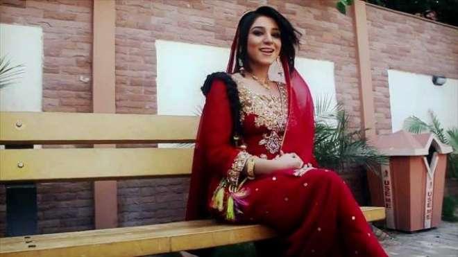 گلوکارہ ماہم رحمان نے اپنا وزن کم کرنے کیلئے کمر کس لی