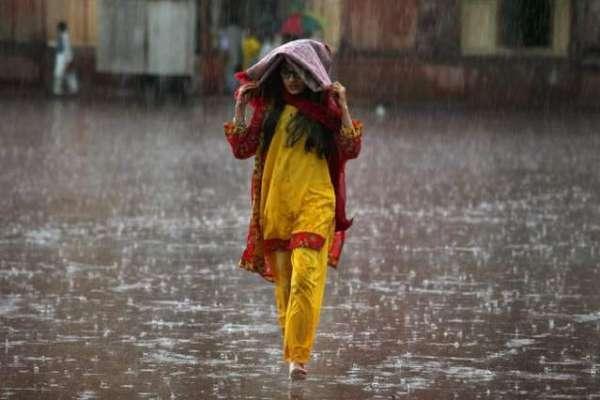 سرگودھا، شدید گرمی کے بعد ہلکی اور تیز بارش سے موسم خوشگوار ہو گیا