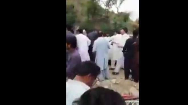 شاہد خاقان کی آبائی حلقے میں آمد،لیگی کارکنان کے 'گو عباسی گو' کے ..