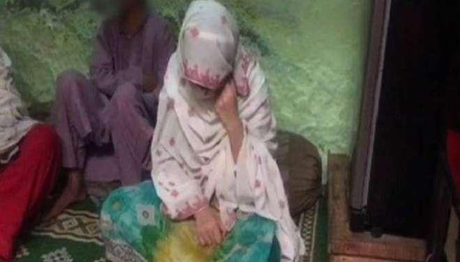 پشاور پولیس نے سر عام لڑکی کی بے حرمتی کرنے والے ملزم کو گرفتار کرلیا ..