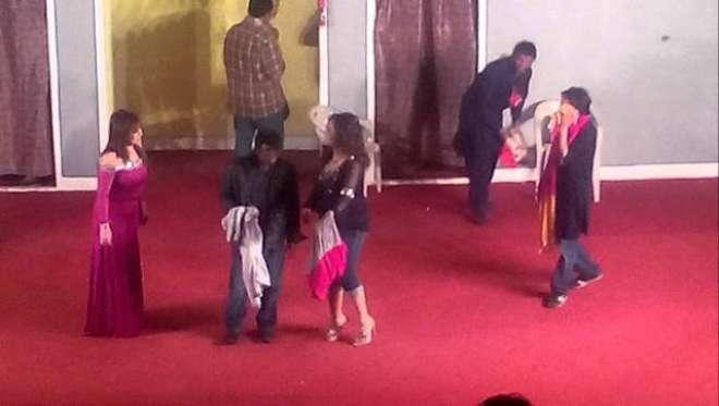 سٹیج ڈرامہ ''میراثی رانجھا'' کی الحمراء میں کامیاب نمائش جاری