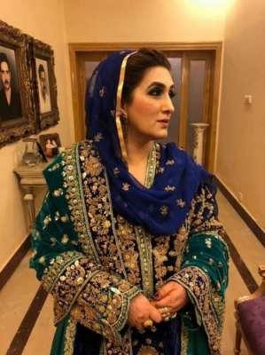 عمران خان کی شادی کے بعد بشریٰ مانیکا کی جعلی تصاویر گردش میں