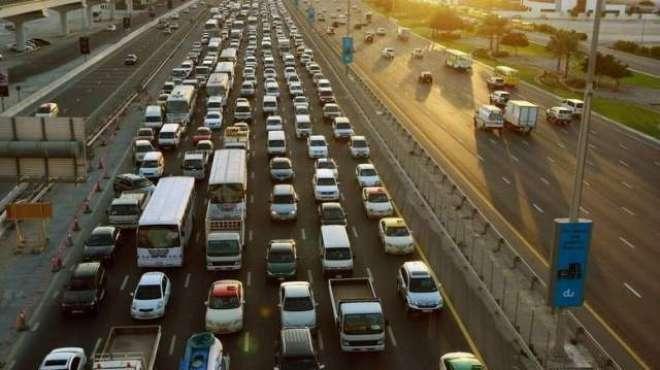 دُبئی:ٹریفک خلاف وزری پر جرمانوں میں اضافہ کر دیا گیا