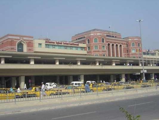بغیر ویزے کے پاکستان آنیوالے دوغیر ملکی مسافروں کو ایئرپورٹ سے ہی ڈی ..