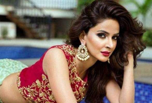معروف اداکارہ صبا قمر نے شادی کرنے کا فیصلہ کر لیا