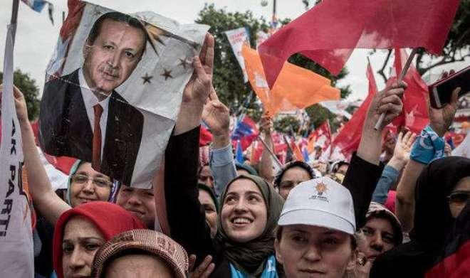 ترک انتخابات: طیب اردوغان ابتدائی نتائج میں اپنے حریفوں سے آگے