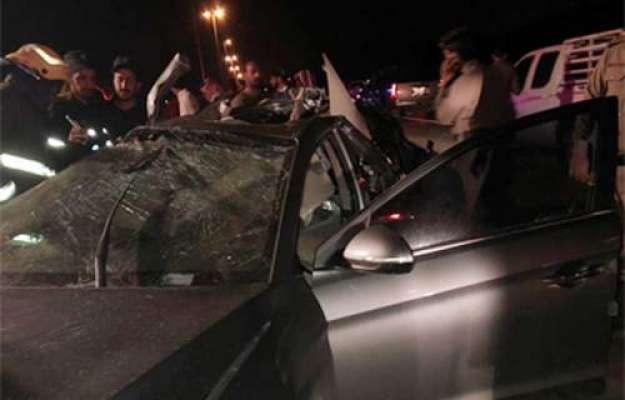 شارجہ ، گاڑی میں آگ لگنے سے دو عرب شہری شدید زخمی