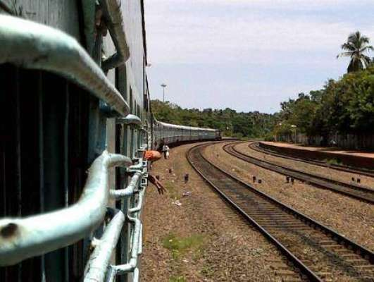 بھارت: ٹرین سے ایک خاتون کی سرکٹی لاش برآمد