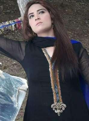 اداکارہ کرینہ جان عید الفطر کے بعد اسٹیج ڈرامہ میں پرفارم کرنے کیلئے ..