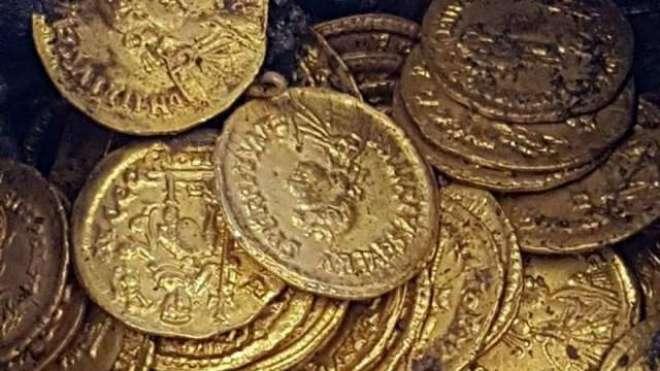 اطالوی تھیٹر میں رومی زمانے کے سونے کے سینکڑوں  سکے دریافت