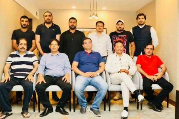 پاکستان کی سب سے بڑی صحافتی تنظیم پی ایف یو جے کے یو اے ای چیپٹر  کے ممبران ..
