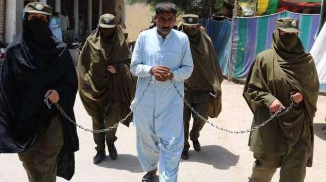 ڈیرہ غازی خان ،ْبھتیجی پر تشدد کرنیوالا چچا تین روزہ ریمانڈ پر پولیس ..