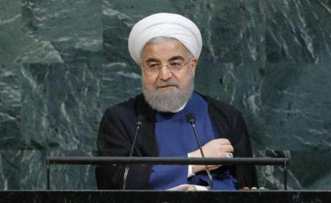 ایرانی صدر کی لائیو تقریر کی نشریات میں پیچھے بیٹھا پاکستانی شخص کون ..