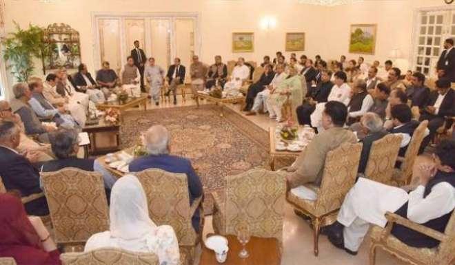 مسلم لیگ ن نے انتخابی سیاست کے بڑے ناموں کو ٹکٹ جاری کر دئیے