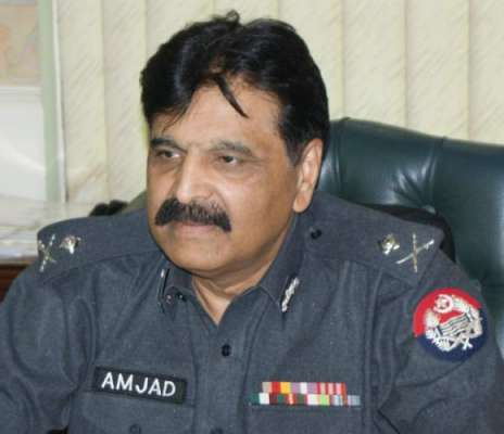 آئی جی سندھ امجد جاوید سلیمی کی مزار قائد پر حاضری