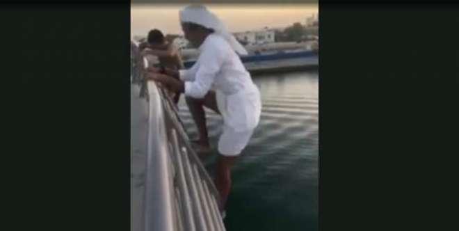 تین اماراتی لڑکوں کی نہر میں چھلانگ لگانے کی ویڈیو وائرل ہوگئی