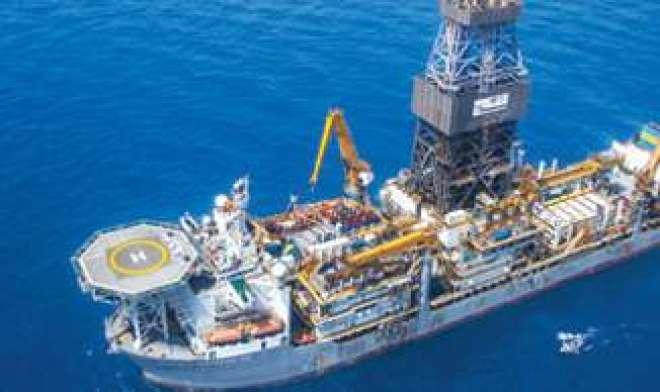 بھارت کی ریلائنس انڈسٹریز کا ایران سے تیل کی درآمد روکنے کا فیصلہ