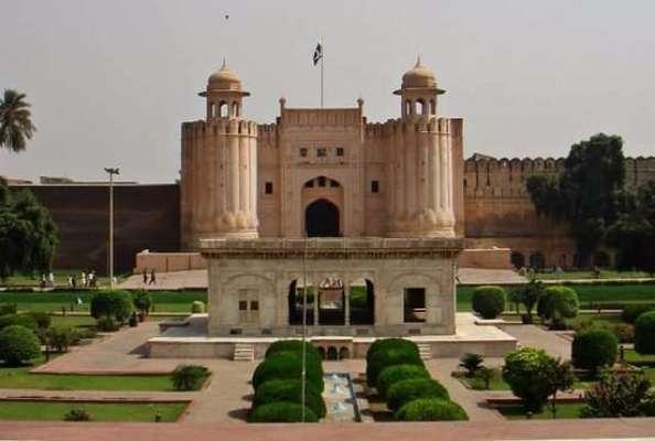 شاہی قلعہ اور مسجد وزیر خان کے باہر کوڑا کرکٹ پھینکنے کا معاملہ