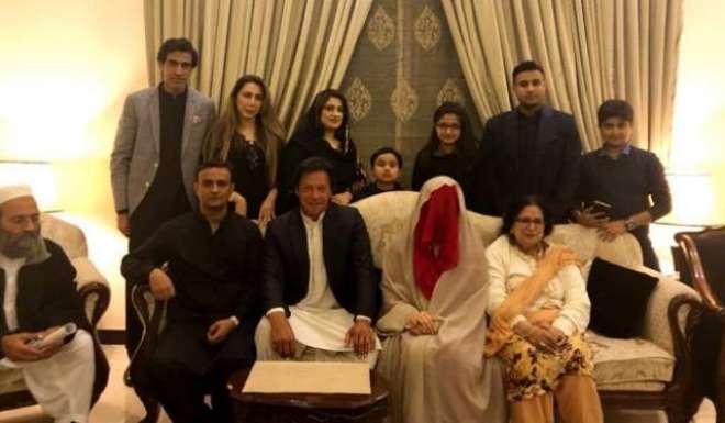 عمران خان کی اہلیہ بشریٰ بی بی گھریلو ذمہ داریوں تک محدود ر ہیں گی ،ذرائع