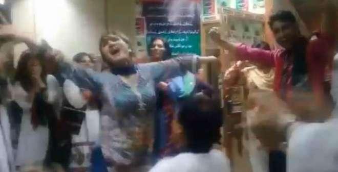 پی آئی اے ریفرنڈم پر پیپلز یونٹی کی جیت، بھارتی گانے پر رقص کرنے والی ..