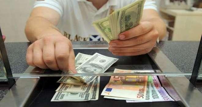 کرنسی مارکیٹ میں ڈالر کی قیمت 118 روپے 20 پیسے کی نفیساتی حد عبور کرگئی